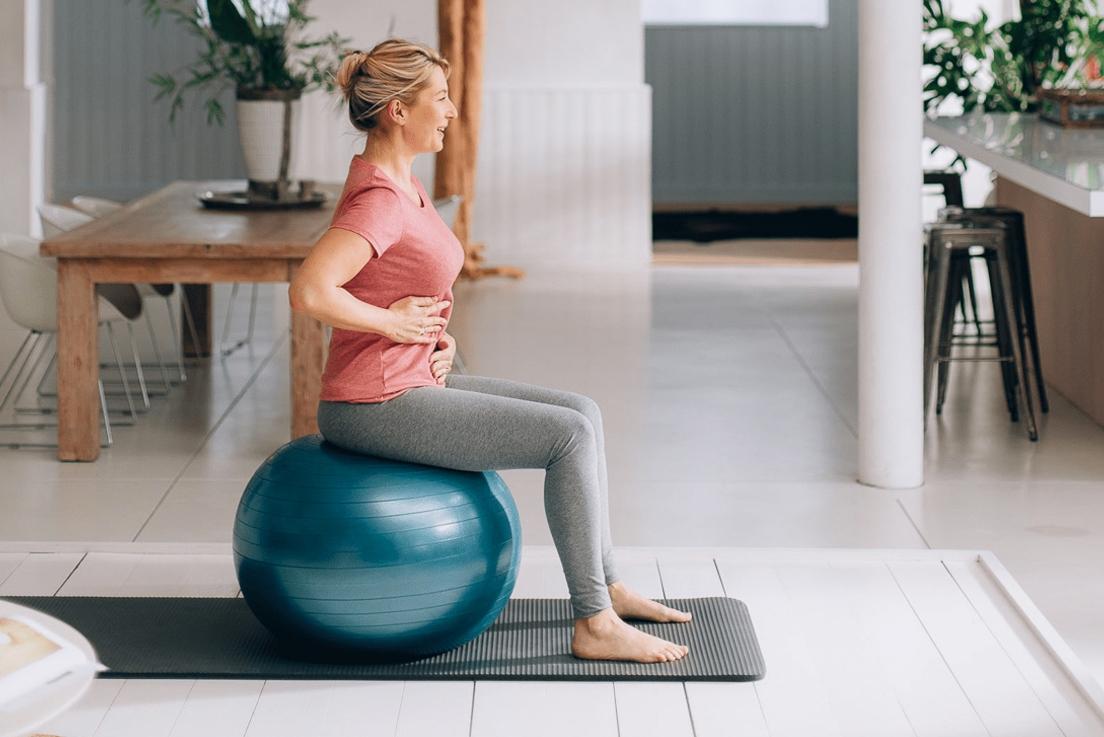 Le gym ball au bureau, la solution simple pour la forme