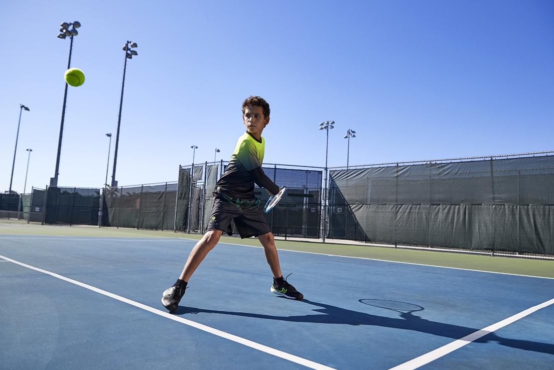 Comment organiser une séance de tennis en famille