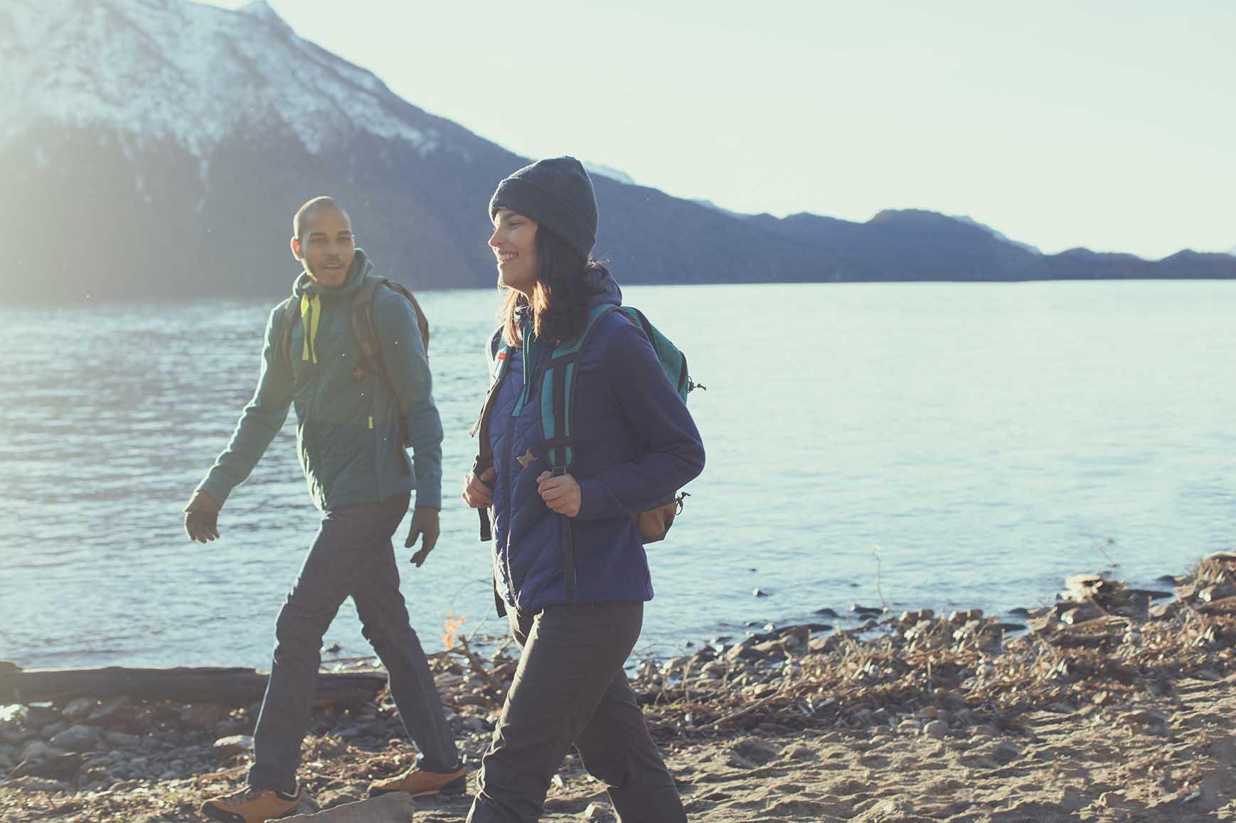 randonneurs en pleine montagne